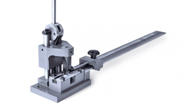 Tischpresse für Kanalnuten und Rillzurichtungen
